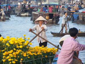 cai rang floating market can tho vietnam