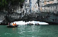 croisiere dans la baie d'halong  en jonque traditionnelle et kayaking