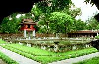 vacances au vietnam: la piste legendaire du vietnam, visite du temple de la litterature